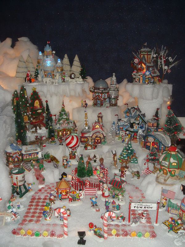 Christmas Mountain Village Display Villages Pinterest And