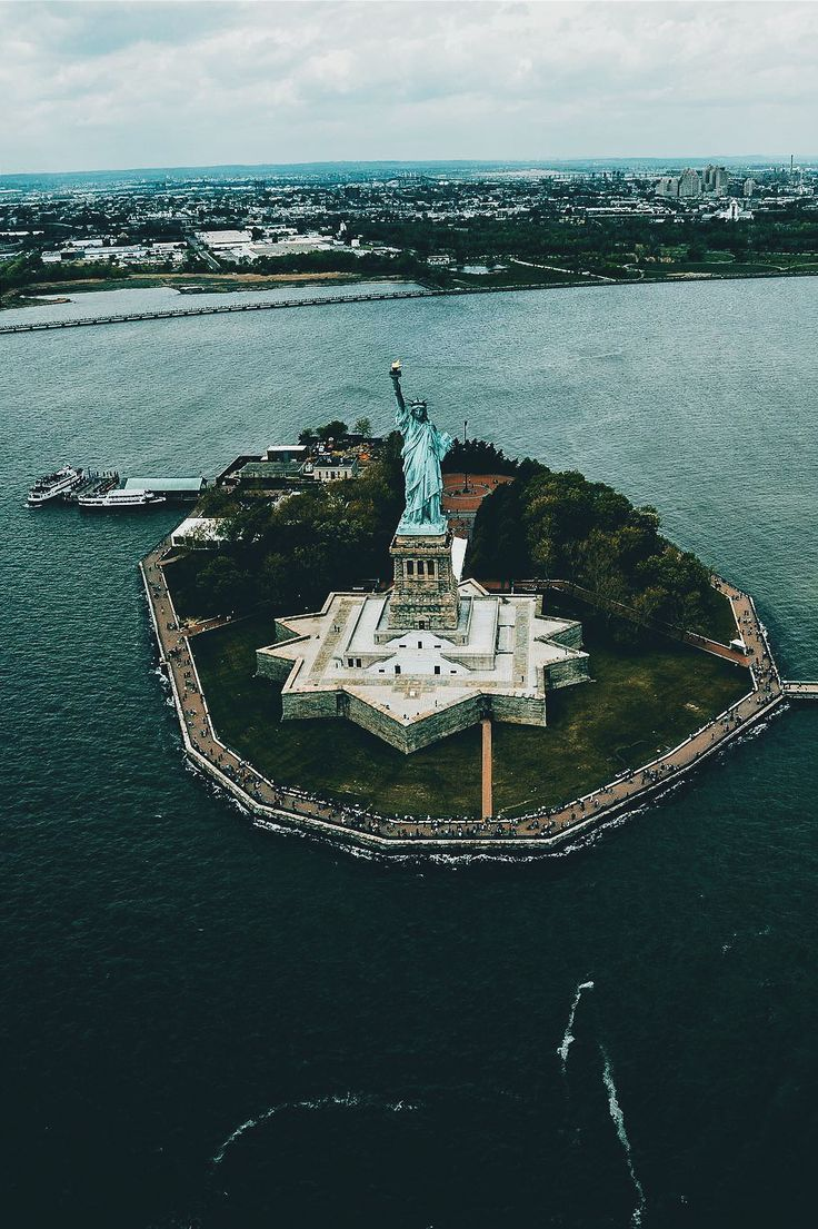 Lady Liberty by kostennn #newyorkcityfeelings #nyc #newyork