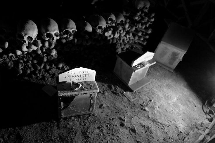 teschi del cimitero delle Fontanelle