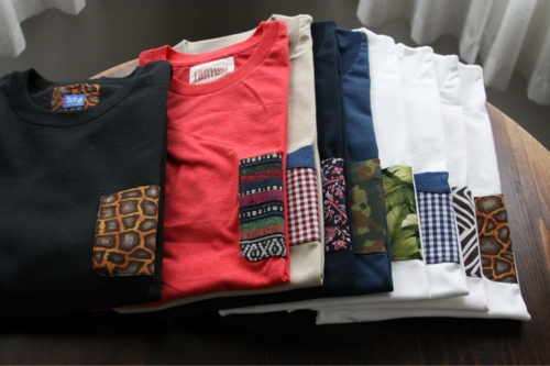 Patchwork pockets to spice up teesShirts With Frocket, Shirts Ideas, Shirts Frocket, Clothing Style, Da Pocket, Shirtswith Crazy, Sewing On Shirts Pocket, Frocket Shirts, Sewing Fabrics On T Shirts