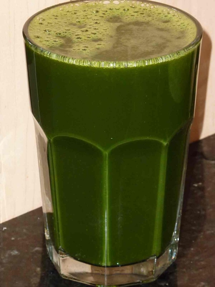 Move over coconut water!!! Read why – organic green juice is the BEST post-workout drink http://livingmaxwell.com/best-post-workout-drink  #greenjuice #rosiehuntington #organic #healthylifestyle #detox #postworkout #protein #health #cleanse