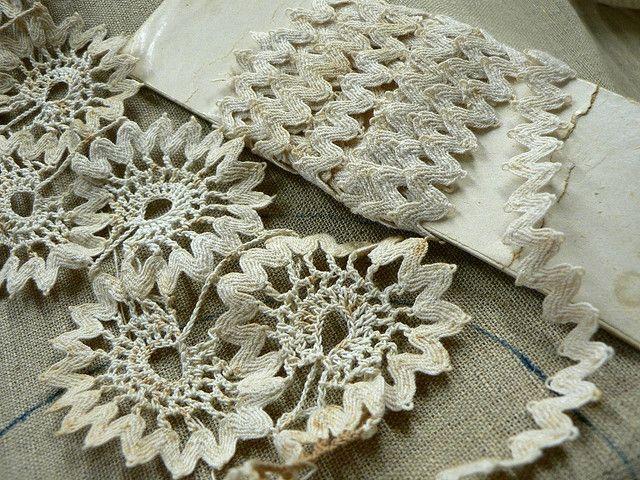 crocheting ric-rac