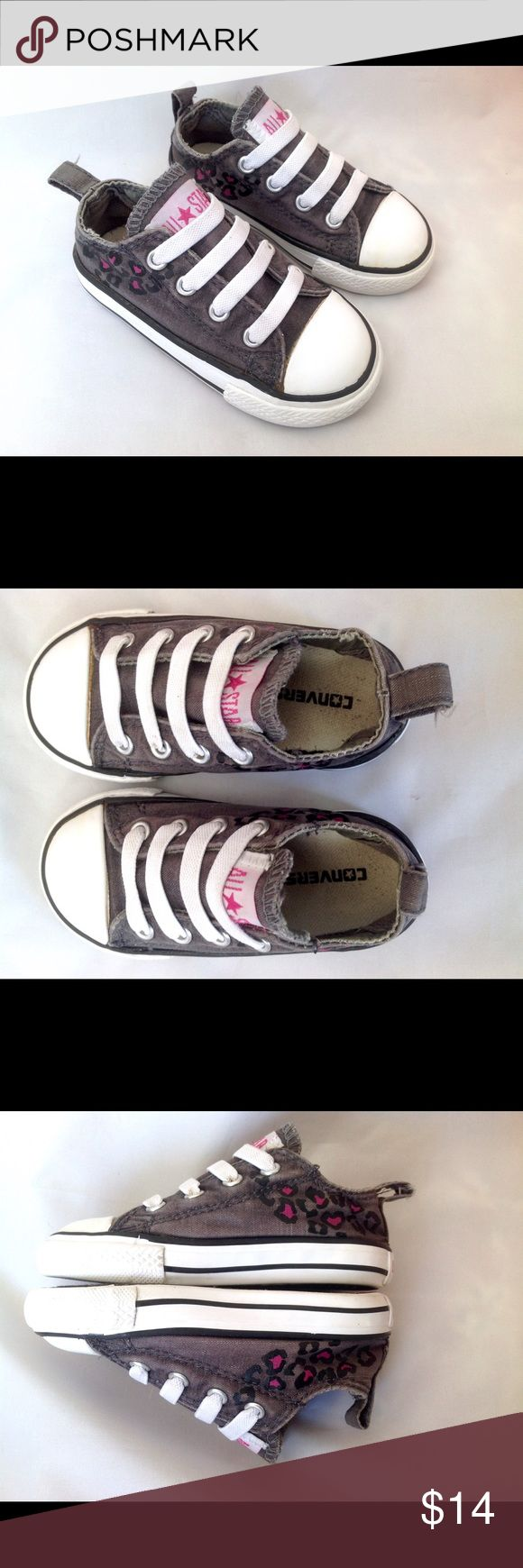 Toddler Converse All Star Low with Elastic Laces Gray with Pink Animal Print on Sides. Elastic Laces allow shoe to slip on and not come untied. Tag says Infant Size 6 Converse Shoes Sneakers
