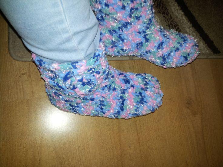 lovely homeboots easy crochet!