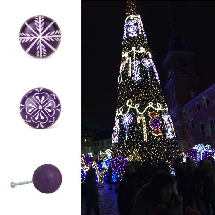 Zainspirowany warszawską choinką chcesz dodać szczypty fioletu swojemu domowi? Zapraszamy na https://www.regalka.pl/ po gałki we wszystkich barwach!