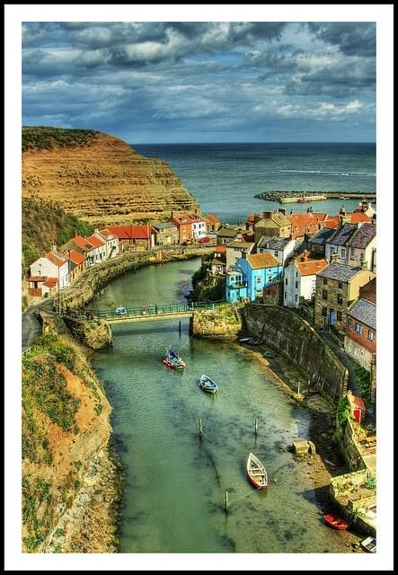 Staithes is a seaside village in North Yorkshire