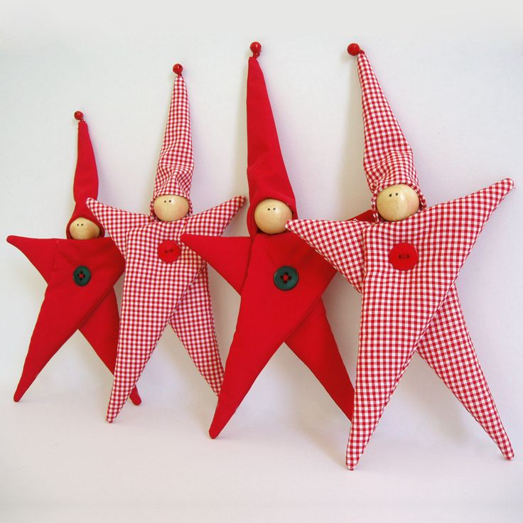 Fabric hanging star-shaped kids, in red.