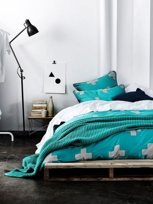Low bed with turquoise colors