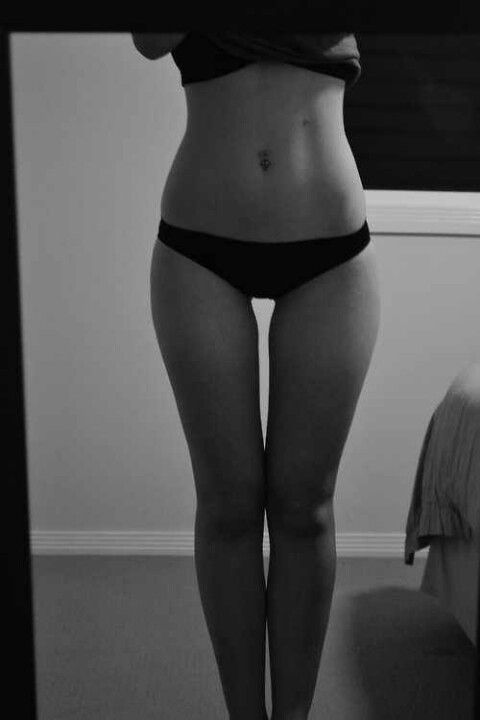 thigh-gap-skinny-blonde-middle-age-jewish-women