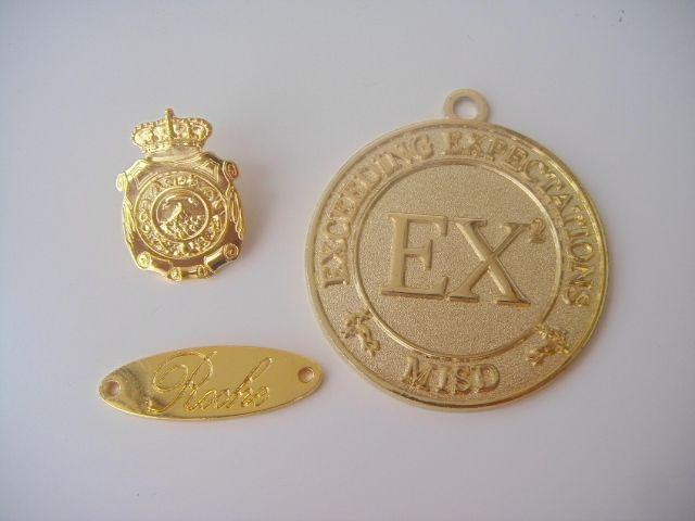 fabrica de medallas personalizadas. 3 ejemplos de medallas religiosas y no. Precios de fabrica! presupuesto, diseño y envío Gratis. Globalverodex.com