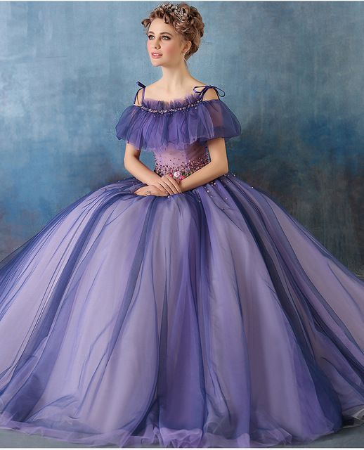 Sexy lila Renaissance Kleider