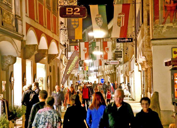 Late Night Shopping mit vielen tollen Angeboten in der Steyrer Altstadt