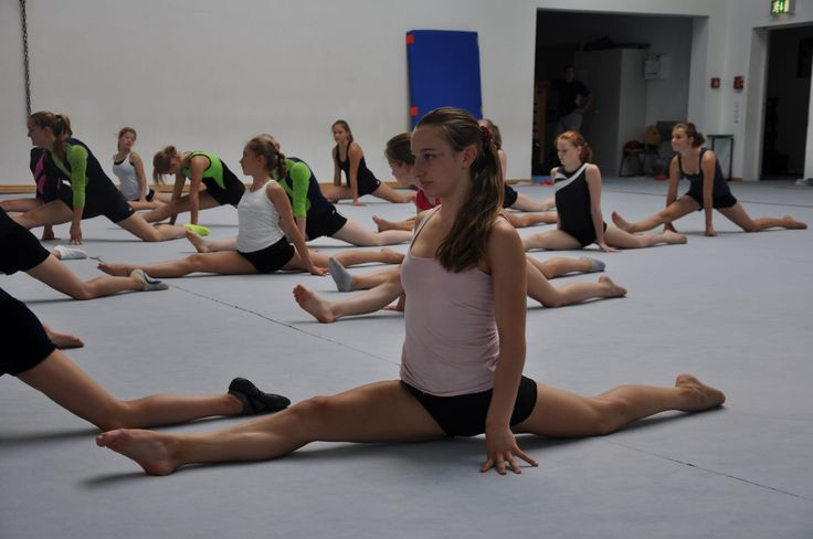 """Endlich sitze ich!"" - Spagat lernen für Anfänger - Experten-Tipp - ASSthetik® Fitness Community mobility exercises"
