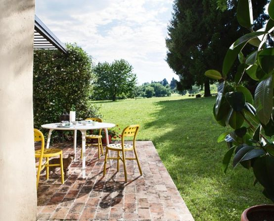 MAGIS – First, table and chair, designed by Stefano Giovannoni.  Suitable for indoor and outdoor use.