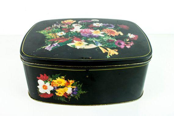 Zeer grote mooie tinnen/ blikken doos met bloemen van Cote D'or.