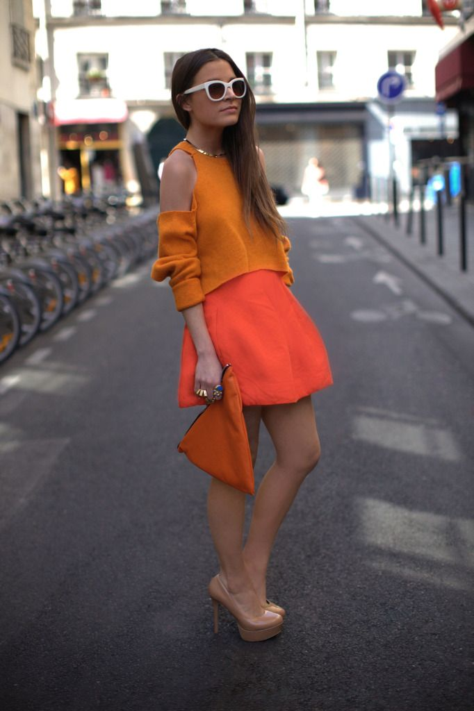 Another 'impossible' pull-off: Fashion Sen, Orange Coral, Fashion Style, Orange You Glad, Chic Stil, Orange Sweaters, Vintage Sweaters, Colors Blocks, My Style