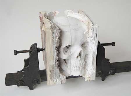 50 Literary Art Designs - From Crystal-Covered Literature to Cutout Character Novels (TOPLIST)