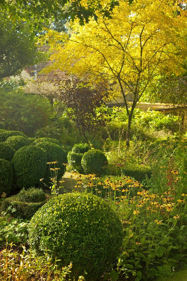 883 best images about garden paths on pinterest shade garden - Sir Roy Strong S Garden By Jonathan Myles