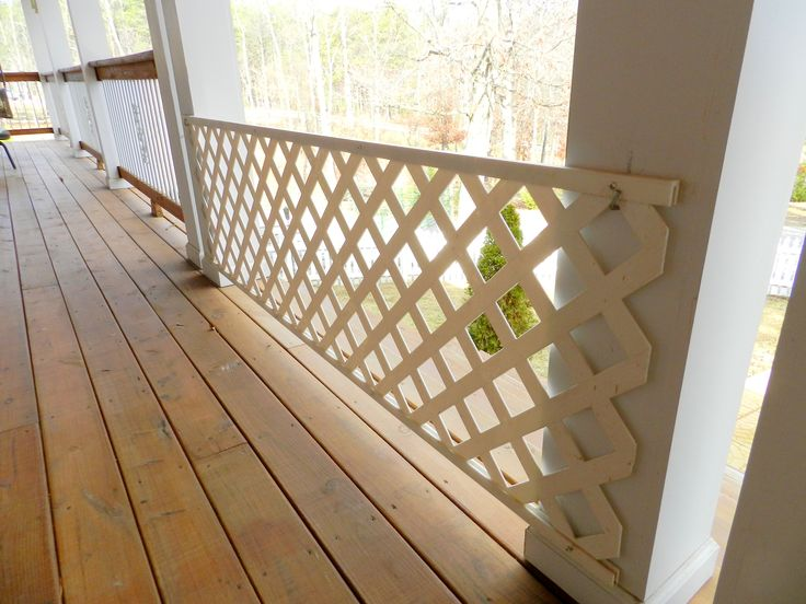 Dog gate - lattice and hooks to hang it