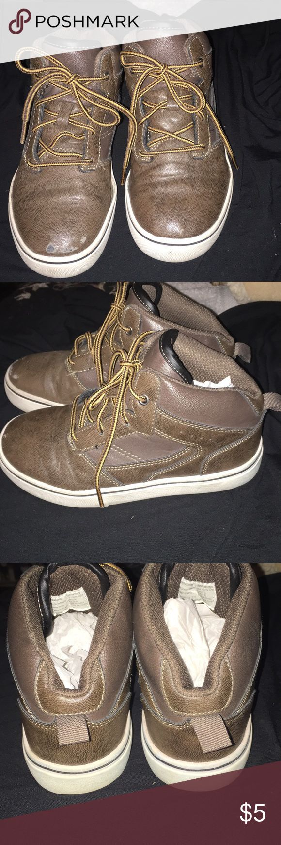 Boy OP boots. In great condition. Old navy Boys OP size one boots. I purchased these at Old Nav however it says op in boots. In excellent condition. Please ask questions. Minimal wear. Love to give bundling discount. All offers welcome. Thank you for looking. Old Navy Shoes Boots