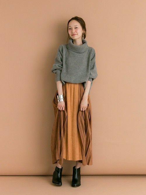 URBAN RESEARCHのニット・セーター「UR 袖ボリュームタートルニット」を使ったmioのコーディネートです。WEARはモデル・俳優・ショップスタッフなどの着こなしをチェックできるファッションコーディネートサイトです。