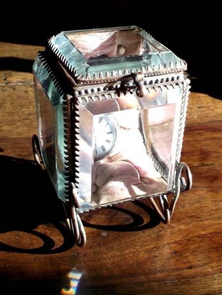 仏アンティーク面取りガラスジュエリーケース時計ホルダー Antique glass case ¥100yen 〆04月06日