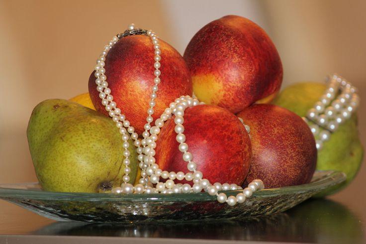 Fruit & pearls