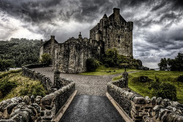 Weems comes from the Scottish Weymss. I would love to visit this beautiful and moody-looking country (or even live there a year or two!).
