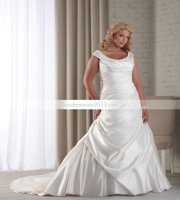 Chapelle de luxe Scoop A-line Floor-length volants et perles Taille Plus robe de mariée