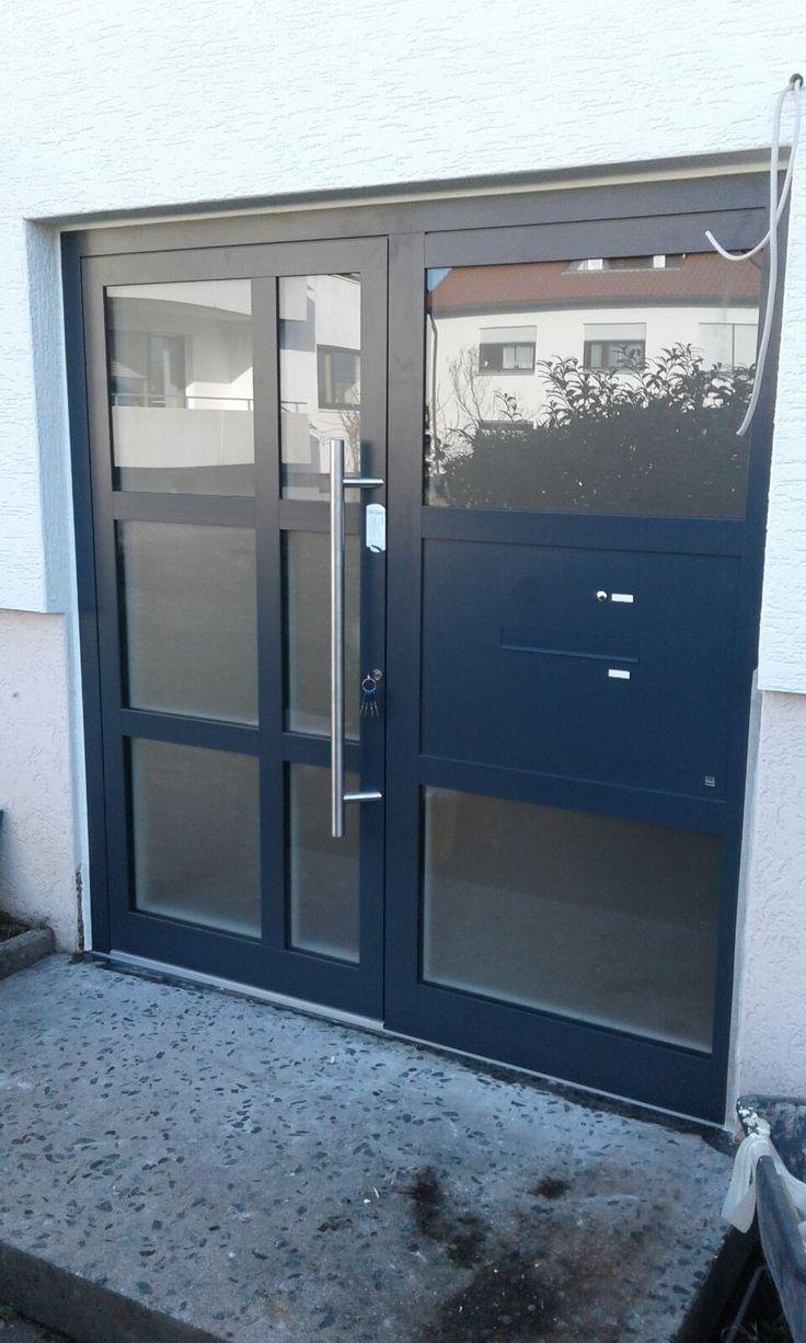 Kompotherm-Aluminiumhaustüre eingebaut in Esslingen. Zugang über Fingerprinter… – Frank Dreher – Fenster und Türen