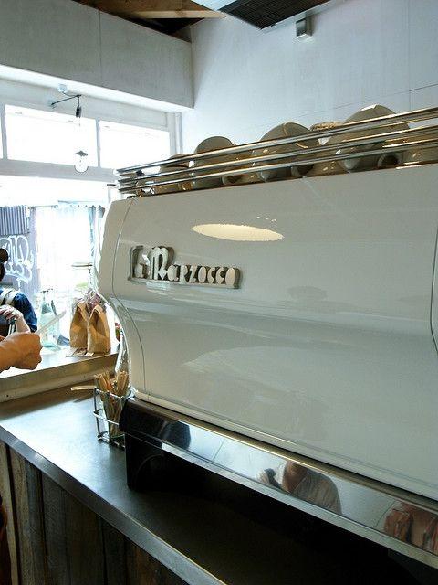 machine à café la marzocco: Espresso Machine, Retro Something, Coffee Machine, Milk, 3615 Retro, Juice Bar, Retro Baby, Retro Beating, Restaurant