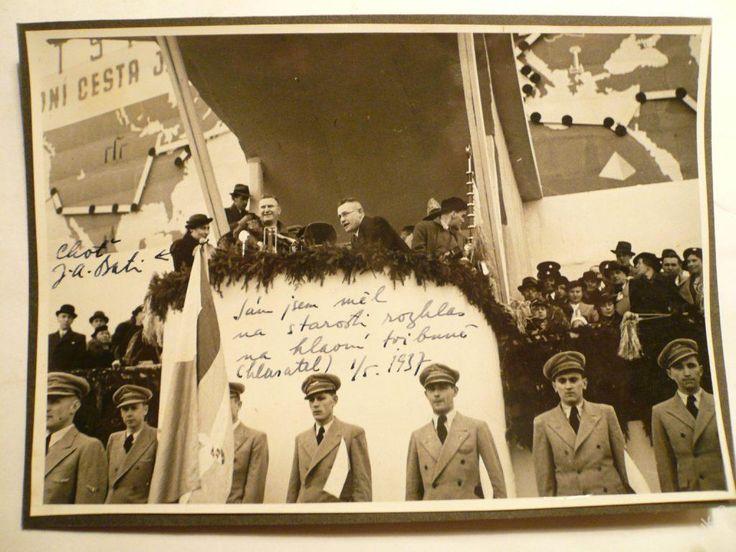 BAŤA - šéf J.A.BAŤA s chotí na TRIBUNĚ !! 1.5.1937