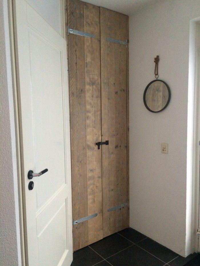 nieuwe deur gemaakt van oud steigerhout voor de meterkast #harriemade Harrie de Weert Multidiensten