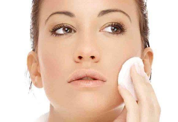 #Comepulire il #viso e struccarsi correttamente