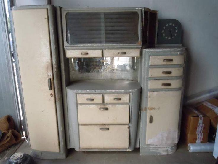 Credenza cucina vintage anni 30 in legno curvato