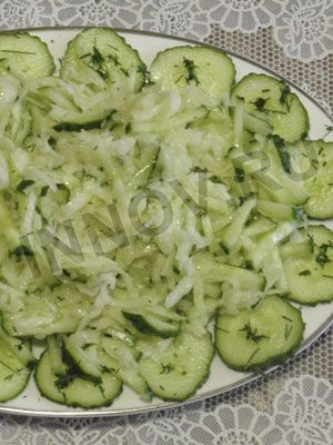 Рецепты для диабетиков: Салат из кольраби с огурцами