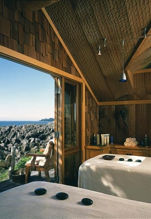 Relais & Chateaux - The Wickaninnish Inn is situated on a rocky outcrop between the Pacific Ocean, Chesterman Beach, and a forest of giant evergreens. Wickaninnish Inn, CANADA #relaischateaux #masssage