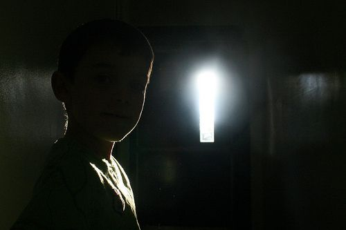 My son is afraid of the dark, a short ghost story