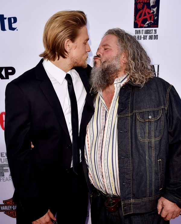 "Radar Online | Charlie Hunnam Arrives At FX's ""Sons Of Anarchy"" Premiere At TCL Chinese Theatre"
