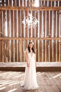 Style Me Pretty editorial shoot; vintage country bride.