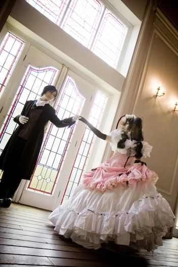 I love that Ciel had to dress up as a girl to infiltrate the party...but idk still something wrong.