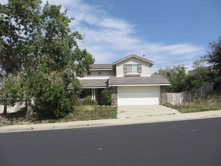 Foreclosure Auction Property CORONA, CA 92883, Riverside County 3 Beds 2.5 Baths 1,798 Sq Feet www.irealtysolutions.com?utm_content=buffer9bd14&utm_medium=social&utm_source=pinterest.com&utm_campaign=buffer #reo #foreclosures #auction