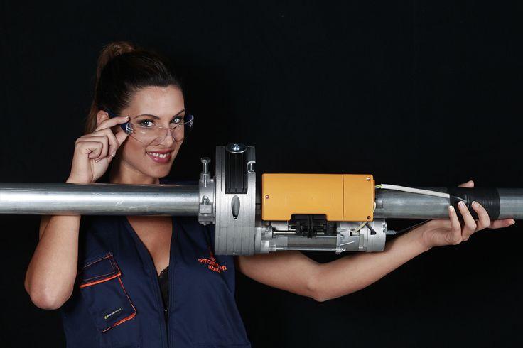 Barbara Amerigo: shooting fotografico per Officine Locati; motori per serrande avvolgibili.