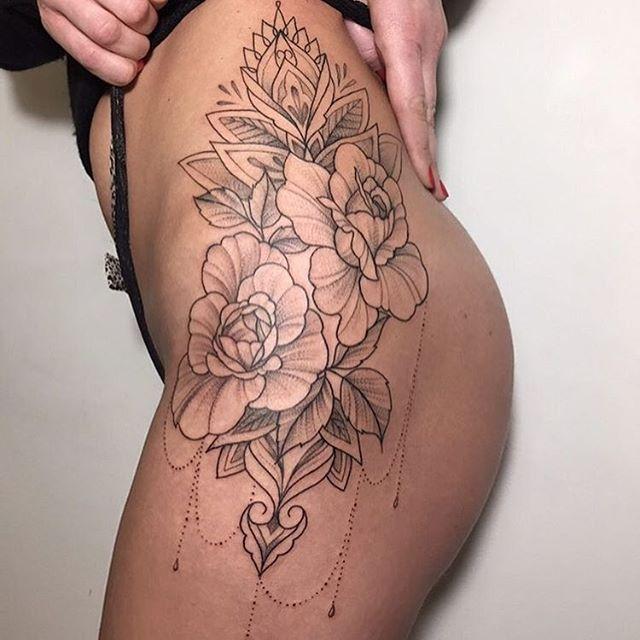 Flower tat ❤️ #tattooinkspiration @alinatu