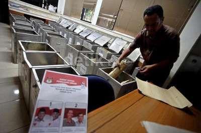 detikcom | Real Count kawalpemilu.org: Prabowo-Hatta 47,71% dan Jokowi-JK 52,82%