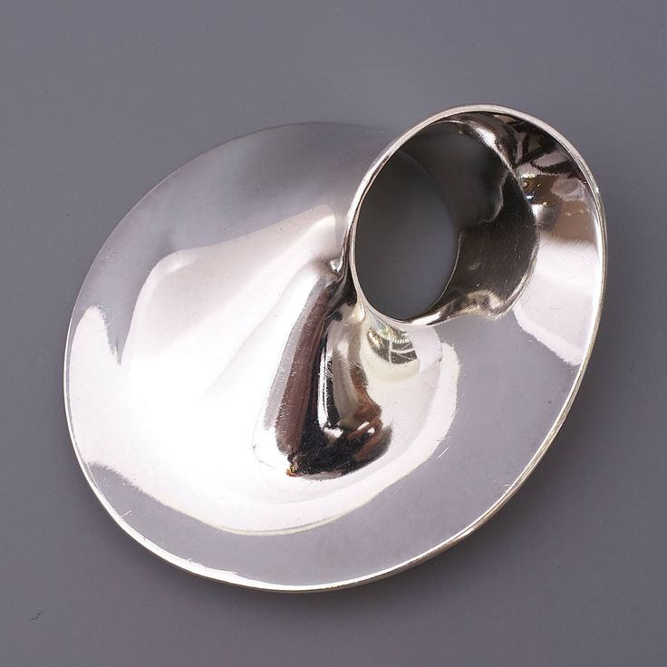 Georg Jensen Mobius Large Silver Brooch N° 374 | From a unique collection of antique and modern miscellaneous jewelry
