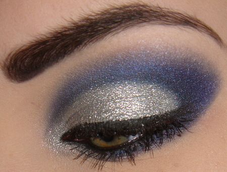 silver and blue: Awesome Eyes, Eyeshadow, Makeup Style, Hair Makeup, Makeup Ideas, Beautiful Eyes, Beautiful Faces, Beauty, Face Painting