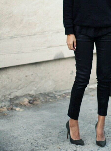 All black, all simple // French girl style