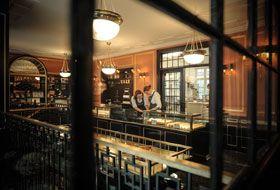 Conditori La Glace  #Denmark #Copenhagen Одно из самых популярных в Дании заведений – старейшая кондитерская La Glace, основанная в 1870 году. Там подают пирожные (некоторые из них названы в честь знаменитых датчан – Ханса Кристиана Андерсена, Карен Бликсен и других), которые выглядят просто волшебно.