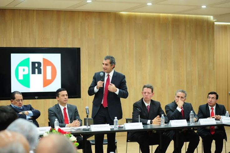 Se reunirán el CEN y legisladores locales priístas con el presidente Enrique Peña Nieto | El Puntero